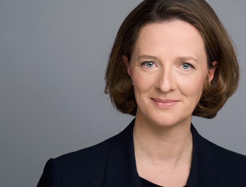 Business Portraitfoto von Ulrike Bentlage.